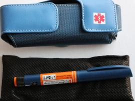 frio insulated pouch and epipen case